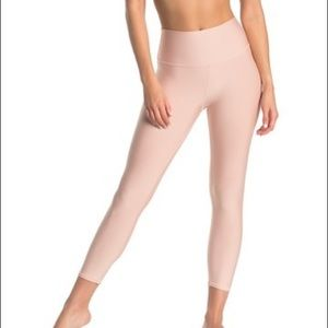 Alo Yoga High Waisted Airlift Capri Nectar XS